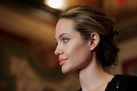 Angelina Jolie Workout Routine Diet Plan